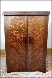 Singer Sewing Machine Desk The Singer Enclosed Cabinet No 51 Oldsingersewingmachineblog