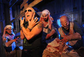 halloween horror nights time behind the thrills legendary rocker dee snider tests his luck