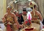 Gusti Kanjeng Ratu Bendara and Kanjeng Pangeran Haryo The Bride ... - Downloadable