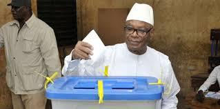 tenue d un bureau de vote au lieu d organiser une élection le mali doit s arrêter pour un
