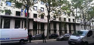 siege medef loi travail blocages à roissy et ivry challenges fr
