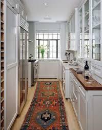 cuisine couloir design interieur comment amenager cuisine longueur chic cosy tapis