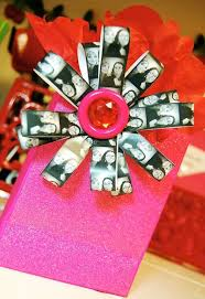 Gift Wrapping Bow Ideas - 130 best gift wrapping images on pinterest creative gifts gift