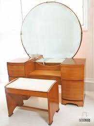 Vintage Vanity Table Vintage Dressing Table Maeover For The Love Of Red Prodigal Pieces