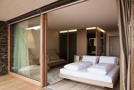 chambre a coucher porte coulissante porte coulissante élégance et gain de place