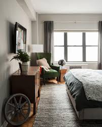 Apartment Decorating For Guys by Guys Here U0027s Your Ultimate Bedding Cheat Sheet Hgtv U0027s Decorating
