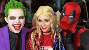 Joker And Harley Quinn Halloween Costumes by Deadpool Gets Between Joker U0026 Harley Quinn Real Life Superhero