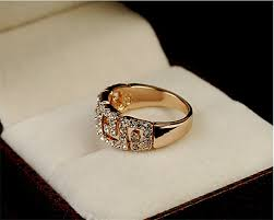 wedding ring in a box golden wedding ring for women in box
