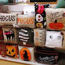 Best 25 Halloween Wedding Decorations by Cute Halloween Decor Halloween Party Ideas For Adults Decorations