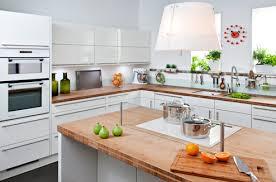 hotte cuisine plafond hotte invisible la sélection 100 discrétion darty vous
