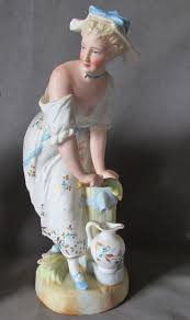 Home Interior Porcelain Figurines by 208 Best Victorian Lady Figurines Images On Pinterest Victorian