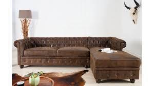 canapé capitonné design canapé d angle chesterfield un grand canapé capitonné avec une