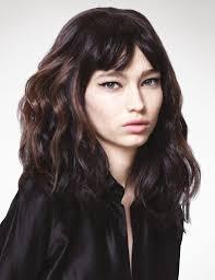 textured shoulder length hair shoulder length medium hairstyle trends inspiration for women