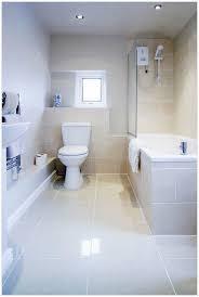 große badezimmer kleine badezimmer große fliesen ideen für zuhause