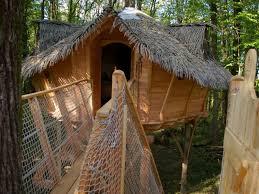 chambre d hote cabane dans les arbres les cabanes dans les arbres familiales de la hébergement