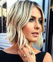 short haircuts with middle part 25 delightful wavy curly bob hairstyles for women styles weekly