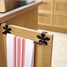 porte torchons cuisine barre à torchon accessoire indispensable de cuisine