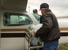 thanksgiving delivery charity sends turkey dinners to those
