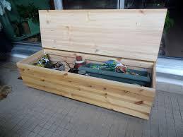 fabriquer cache poubelle fabriquer un banc coffre u2013 diy patios banquettes and diy furniture
