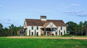 Red Barn Experience 25 Breathtaking Barn Venues For Your Wedding Southern Living
