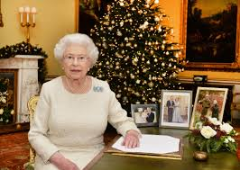 why yes this photo of u0027the queen u0027 wearing a corgi christmas