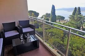 Esszimmer St Le Und Bank Ferienwohnung Le Panoramic In Le Lavandou Frankreich Fr8420 126 1