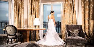 5 Tips For Choosing The Perfect Wedding Vendors by 5 Tips To Help In Choosing The Perfect Wedding Dress