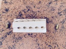 10 pack of number 51 q 90 6 volt light bulbs for lionel trains