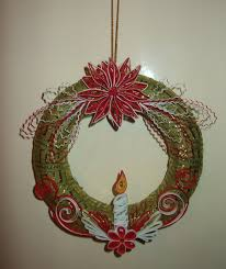 quilling wreath at christmas by pinterzsu on deviantart