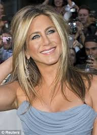 jennifer aniston s hair color formula jennifer aniston forced to cut hair short because of damage from