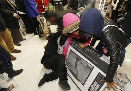 tv best deals black friday walmart black friday fights 2014 photos and videos of customers gone wild
