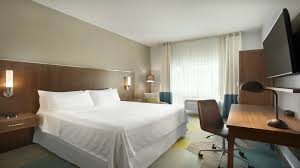 miami airport accommodations traditional king guest room four