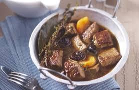 cuisiner un boeuf bourguignon boeuf bourguignon aux fruits secs recettes de cuisine la viande fr