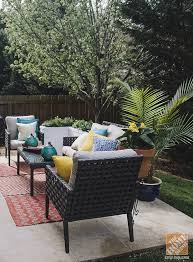 Hamptons Style Outdoor Furniture - simple patio decorating ideas throw pillows and spray paint
