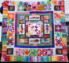 quilty habit epic anna maria horner medallion a finished quilt
