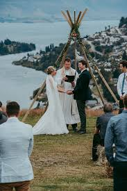 wedding gifts queenstown relaxed wedding in new zealand s queenstown mountains