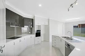 152a perth street south toowoomba qld 4350 re max success