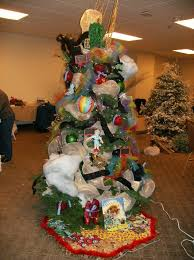 every year we donate a themed christmas we u0027ve decorated to