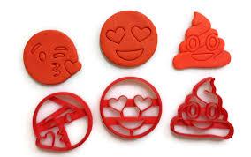 emoji emoji emoji blowing kisses cookie