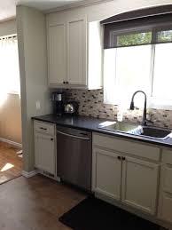 cuisine armoire brune cuisine couleur de cuisine avec peinture tendance sazih