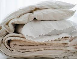 What Is The Difference Between Comforter And Quilt Quilt Comforter Duvet Or Bedspread What U0027s The Difference
