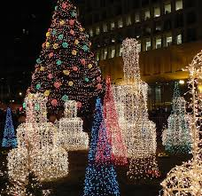 best christmas lights in chicago 18 of the best places in the world to be around on christmas