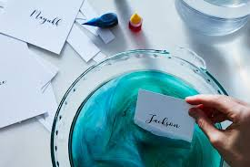 diy dip dyed place cards food coloring crafts