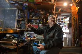 Living In A Garage Working Toward A Warp Drive In His Garage Lab Omahan Aims To