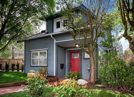 Small House Exterior Paint Colors by Best 25 Small House Exteriors Ideas On Pinterest Small Cottage
