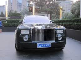 roll royce chinese spotted in beijing rolls royce phantom in green with a license