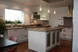 cuisine blanche et bois table cuisine ikea bois chaise with table cuisine ikea bois