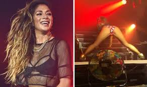 nicole s nicole scherzinger leaves little to the imagination performing at