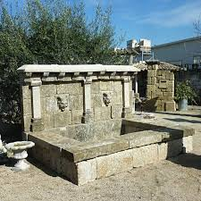 Fontaine D Exterieur by Grande Fontaine Fontaine Murale Avec Une Sortie Deau En Fer