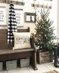 christmas livingroom 65 inspiring apartment christmas decoration on a budget homstuff com